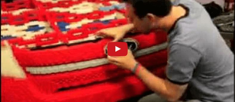 Como é feito o carro de lego.