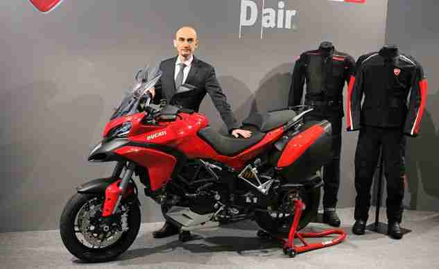 Moto Ducati com sistema de Airbag Wireless.